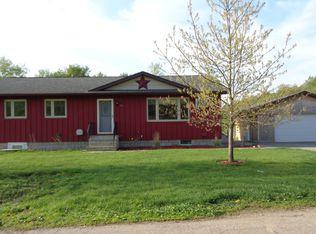 405 Elm St , Henderson MN