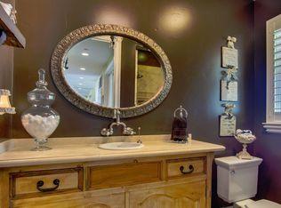Traditional Full Bathroom With Tiled Wall Showerbath