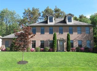 319 Ivy Dr , Gibsonia PA