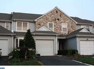 12 Yorkshire Dr , Newtown PA