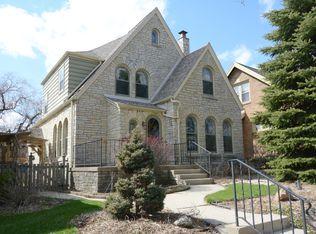 1665 S 33rd St , Milwaukee WI