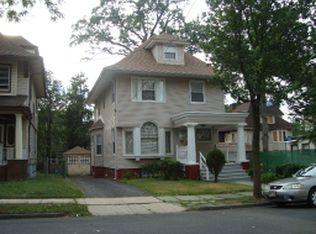 712 Parker St , Newark NJ