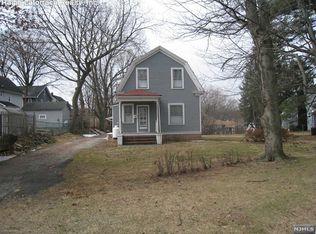 8 Oaktree Ln , Bloomfield NJ