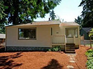 14318 Densmore Ave N , Seattle WA