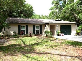 6071 Country Club Rd , Zephyrhills FL