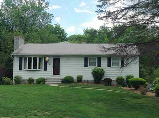25 Long Meadow Dr , Staatsburg NY
