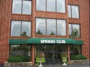 1S045 Spring Rd Apt E2, Oakbrook Terrace IL