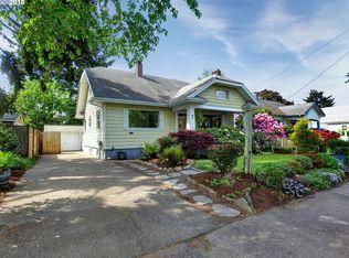 7030 Ne Hoyt St Portland Or 97213 Zillow