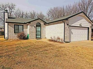 2435 N Ridgewood Dr , Wichita KS