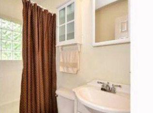 Fir St Hendersonville NC Zillow - Bathroom remodel hendersonville nc