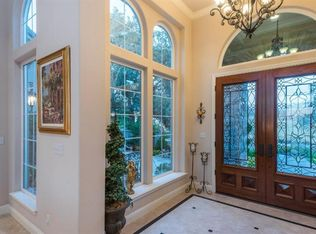 traditional entryway with crown molding wall sconce in 14250 | isec69l0c4tbd80000000000