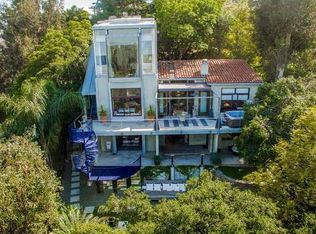 8882 Lookout Mountain Ave , West Hollywood CA