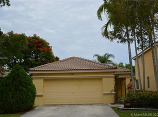1019 Bamboo Ln Weston Fl 33327 Mls A10496044 Zillow