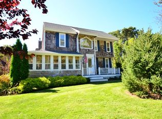 14 Washington Ave E , Hampton Bays NY