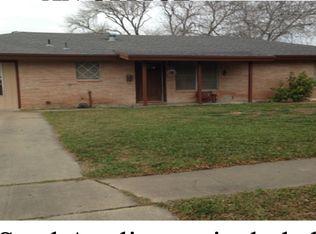 228 Carol Ave Kingsville TX 78363