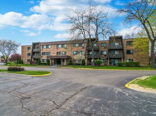 1205 E Hintz Rd Unit 208, Arlington Heights IL