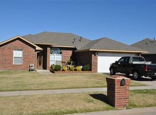305 SW 40th St , Moore OK
