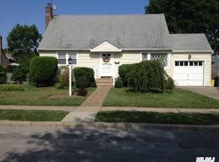 268 Well Ct , Seaford NY