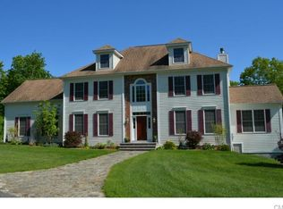 190 Weathervane Dr , New Milford CT