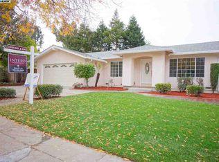 42271 Forsythia Dr , Fremont CA