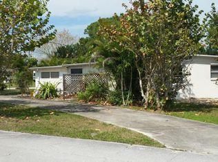 1581 NW Palm Lake Dr , Stuart FL