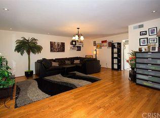 6526 Vanalden Ave Unit 5, Reseda CA