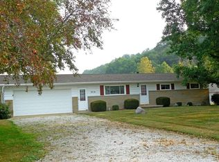 3710 Horns Mill Rd , Sugar Grove OH