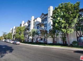 17914 Magnolia Blvd Apt 204, Encino CA