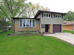 348 Brentwood Dr , Des Plaines IL