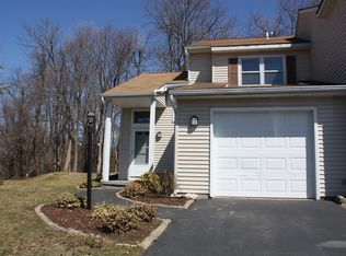 53 Cooks Ct , Waterford NY