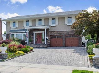21 Bridle Path , Roslyn NY