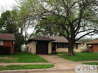 2245 Highwood Dr , Dallas TX