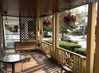 2047 Elmwood Ave , Lakewood OH