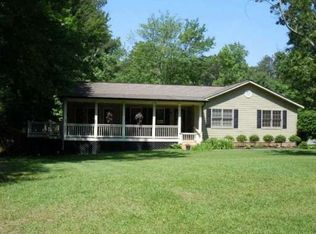 4875 Surrey Dr , Roswell GA