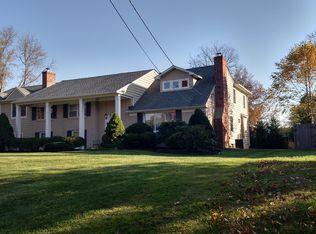 180 Ramblewood Rd , Moorestown NJ