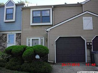 33 Knoll Ct , Matawan NJ