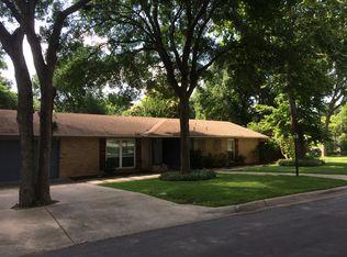 2807 Oak Park Dr , Austin TX