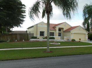 1 Dogwood Cir , Boynton Beach FL