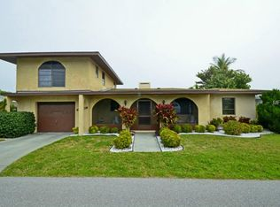 1215 Holiday Dr , Englewood FL