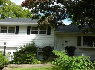 22 Forest Dr , Suffern NY