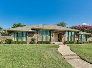 9203 Clover Valley Dr , Dallas TX