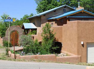 312 Valverde St , Taos NM