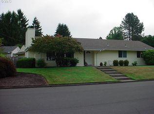 8925 SW Homewood St , Portland OR