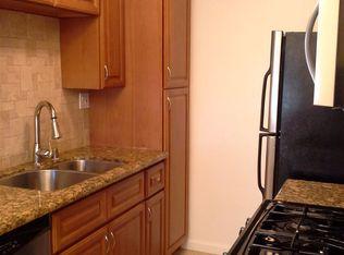1 bed, 1.0 bath, 675 sqft, $2,395 Apartments - Santa Monica, CA | Zillow