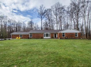 8390 Treetower Dr , Chagrin Falls OH