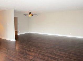425 Home Ave APT 3E Oak Park IL 60302
