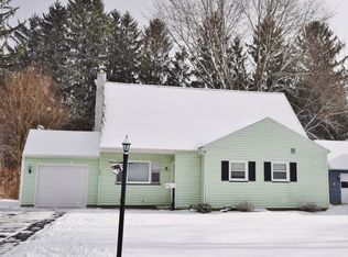 112 Worthing Ter , East Rochester NY