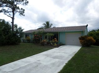 393 SW Tulip Blvd , Port Saint Lucie FL