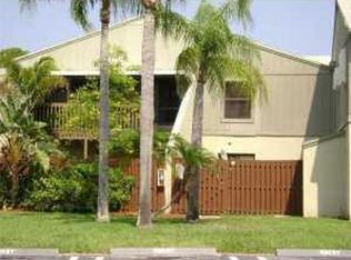 19 Crossings Cir Apt B, Boynton Beach FL