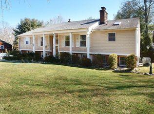 563 Colonial Rd , Franklin Lakes NJ